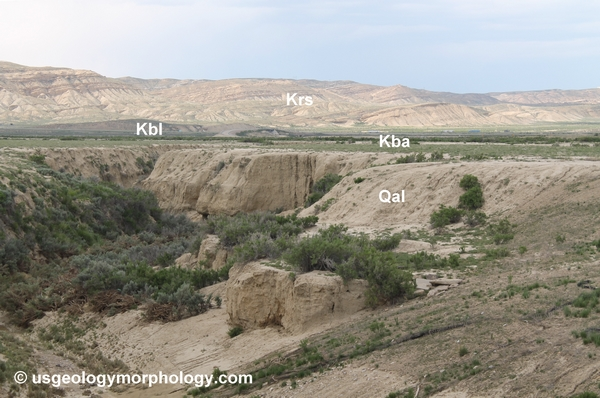 Baxter basin; gully in Quaternary alluvia; Baxter shale; Rock Springs formation